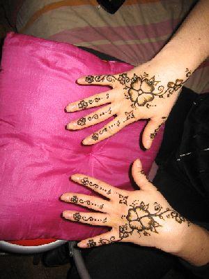 Tatouage au henn un dessin temporaire vos commentaires - Dessin henne facile faire ...